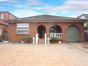 Prime Position! Walk to shops! - Canley Heights