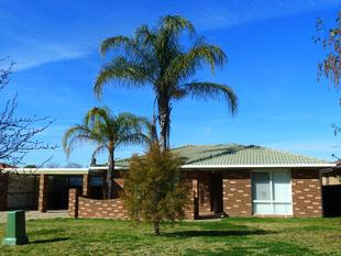 Well presented family home - Glenfield Park