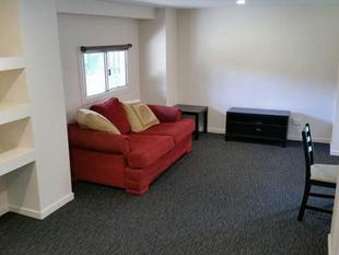 PARTLY FURNISHED ROOM TO RENT INCLUDING WATER AND INTERNET - Slacks Creek