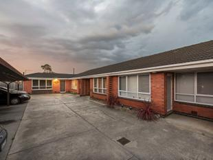 A Solid Start - 1 Bedroom Wonder Close to Shops & Transport - Noble Park