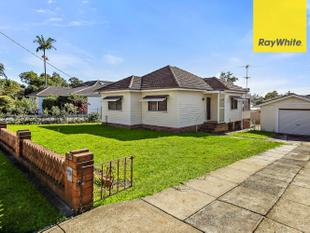 FAMILY HOME WITH LARGE GARAGE! CALL 0422807874 - Wentworthville