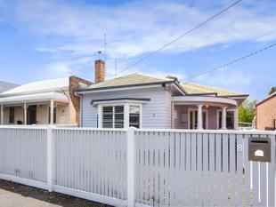 Sunny, CBD Charmer  Quiet Street and Low Maintenance Living - Ballarat Central
