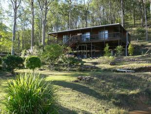 3 Bed Timber Pole Home - Relax Amongst Nature! - Esk