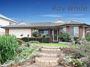 Stunning Home close to all amenities - Point Cook
