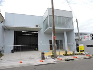 BRAND NEW 475 m2 (approx) Office / Warehouse with 9 metre Clearance - Rockdale