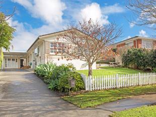 PERFECT FOR EXTENDED FAMILY - Pakuranga Heights