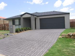 Fantastic Modern Family Home in Quiet Estate - Redland Bay