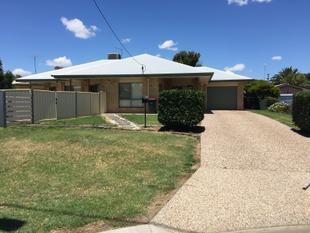 Large Modern Brick home - Goondiwindi