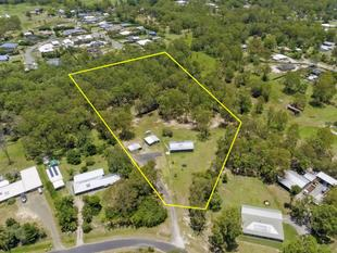 LAND, LOTS OF LAND! D. A. IN PLACE! APPROX 6 ACRES - 2 DWELLINGS11 - Burpengary East