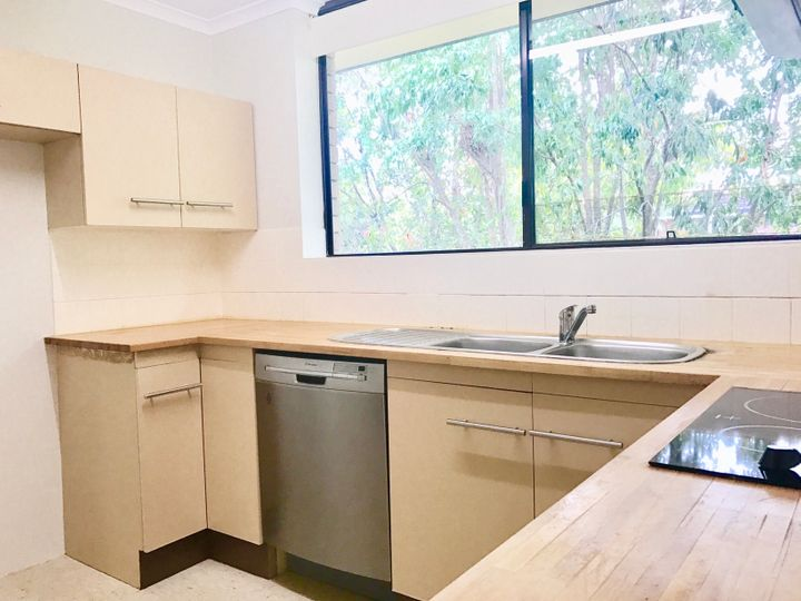 4/151 Central Avenue, Indooroopilly, QLD