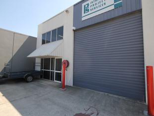 FOR SALE - HIGHLY FUNCTIONAL, FULLY REFURBISHED INDUSTRIAL UNIT - Capalaba