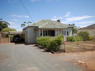 GREAT COUNTRY HOME READY TO MOVE INTO!!! - Wagin
