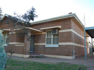 Neat & Tidy Cottage across from park - Can be semi furnished if required - Port Augusta