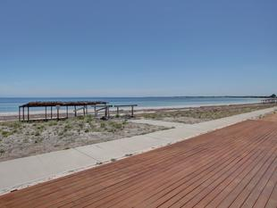 Ultimate Seaside Escape! Beach Frontage! - Smoky Bay
