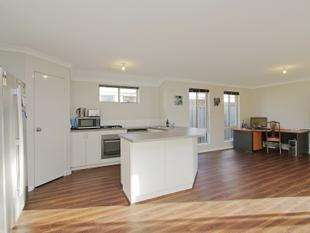 CRAZY PRICE OWNERS SAY SELL SELL SELL - Ellenbrook