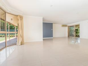 Large Family Home - Second Kitchen - Privacy and Peace - Wishart