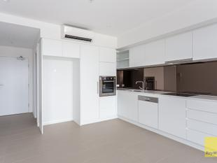 Ninth Floor with City Views! - Coorparoo