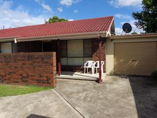 COSY AND WARM UNIT WITH LARGE REVERSE CYCLE - Cessnock