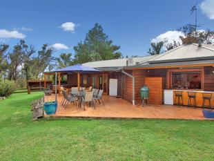 Spacious & Stylish plus Acres - Armidale