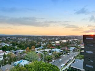 UNDER CONTRACT - Highgate Hill