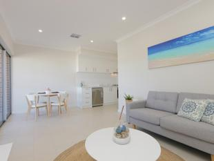 STUNNING BRAND NEW APARTMENT - Cloverdale