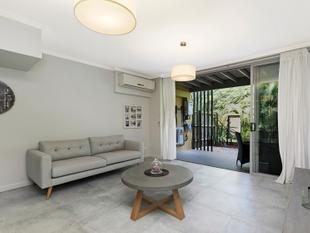 Luxury Living within Cannon Hill Precinct - Murarrie