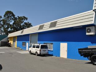 852sqm  Warehouse/Office + Additional Covered Storage Area In Underwood - Underwood