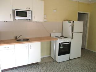 Studio unit in a great location! - Mount Isa
