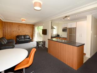FURNISHED 3 BEDROOM FLAT AVAILABLE 2018 - Dunedin Central