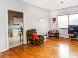 Three bedroom in a convenient location - 6 MONTH LEASE ONLY - Murrumbeena