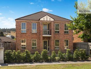 The Ultimate In Modern & Stylish Living - Mill Park Lakes Estate - South Morang