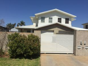 Sophisticated dual level living! - Dubbo