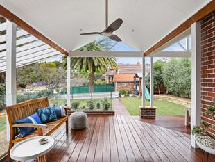 Inspired entertainer, large family home on 765 sqm - Roseville