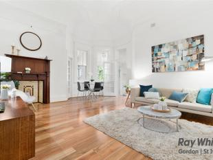 Boutique Character Apartment to move in or invest - Minute Walk to Rail - Killara
