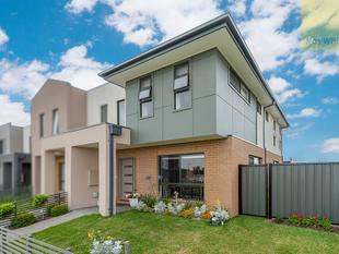 Luxury, Light and Perfect Parkland Views - Craigieburn