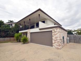 :: EXQUISITE  FULLY SELF CONTAINED HOME - West Gladstone