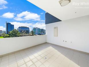 REDUCED FOR A QUICK SALE! AS NEW DUAL LEVEL CBD LIVING - Parramatta
