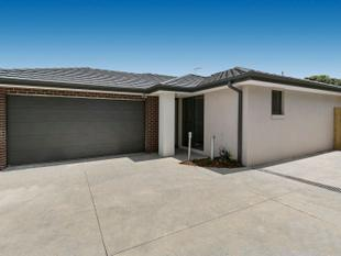 Brand New - High quality Home with spacious Backyard - Langwarrin