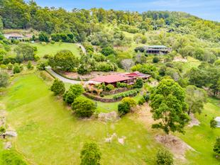 Owners Committed Elsewhere! Fantastic Dual Family Living On Over 4 Acres! - Guanaba