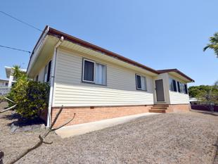 BLOCK FOR SALE - HAPPENS TO HAVE A HOUSE TOO - West Gladstone