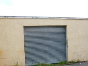 Garage for rent at 746 Tremaine Ave - Roslyn