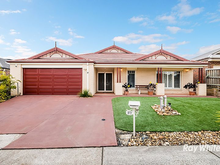 37 Thunderbolt Drive, Cranbourne East, VIC