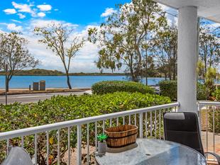 Ground floor with river views! - Maroochydore
