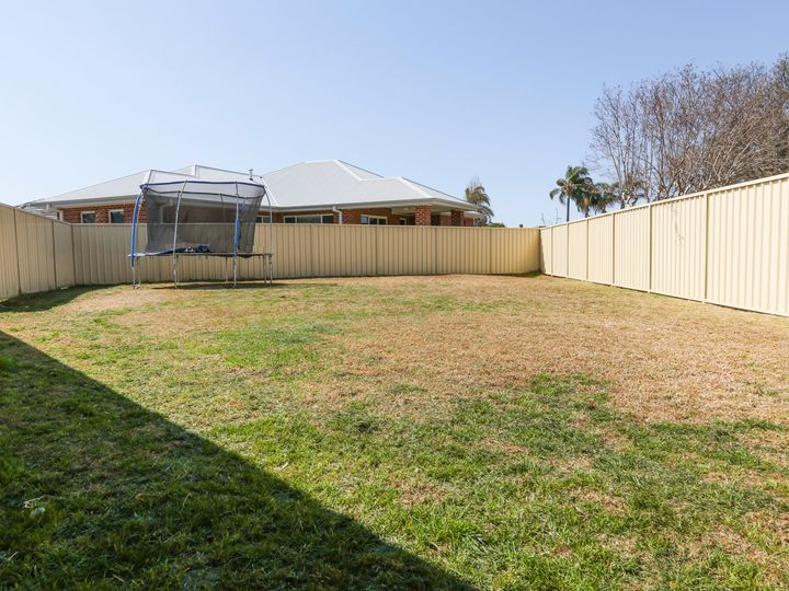 4 Harrison Place, Griffith, NSW