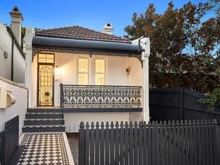 Freestanding Charmer Blending Old & New  Prized North-to-rear Aspect - Mosman