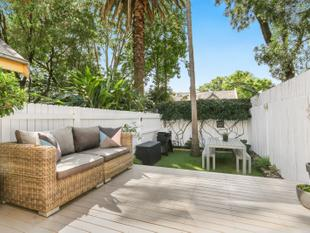 Designer Flair In An Idyllic Harbourside Enclave - Birchgrove