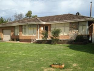 GREAT LOCATION, LARGE BLOCK, PETS CONSIDERED, AIR CONDITIONING! - Bunbury
