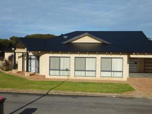 Beautiful 4 x 2 Family home - Hopetoun