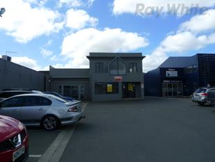133m2* Office/Showroom with 77m2* Warehouse - Phillipstown