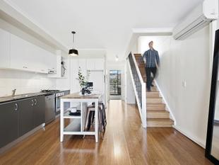 Lifestyle And Luxury In Premium Inner-City Location - Erskineville